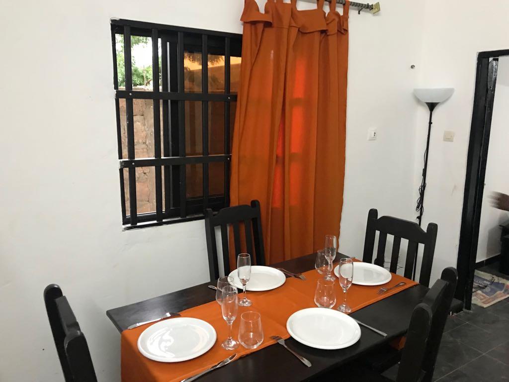 Appartement meublé à louer , zanguera                         (A 1km maximum de Maco)                     , Lome : 150 000 FCFA/mois