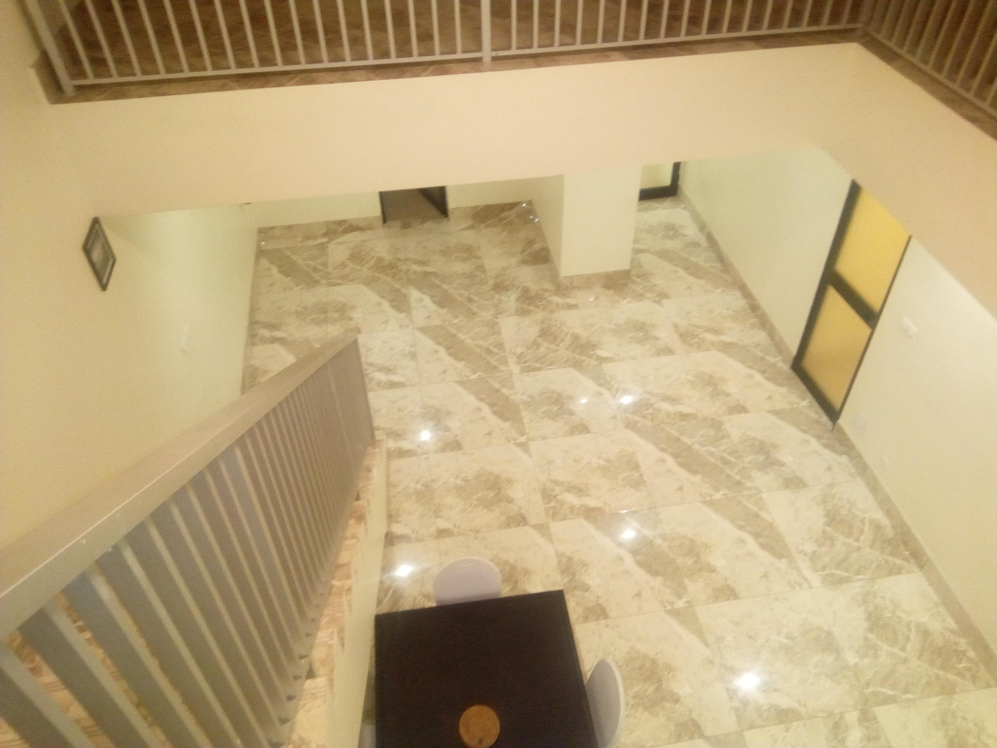 Appartement meublé à louer , adidogome                         (Non loin des frères Franciscains)                     , lomé : 650 000 FCFA/mois
