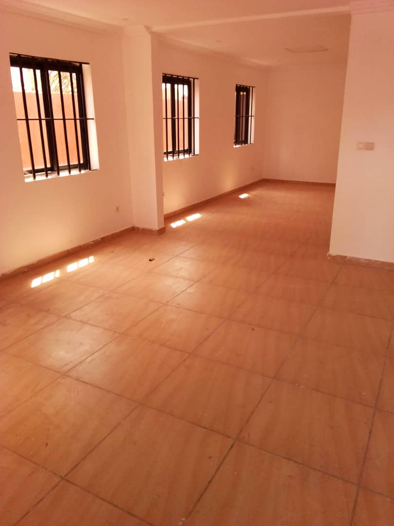 N° 4530 :                             Villa à louer , Adidogome, Lome, Togo : 250 000 XOF/mois