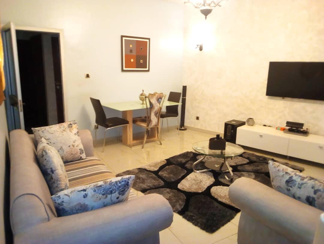 Appartement meublé à louer , adidogome                         (Non loin du goudron)                     , Lome : 600 000 FCFA/mois