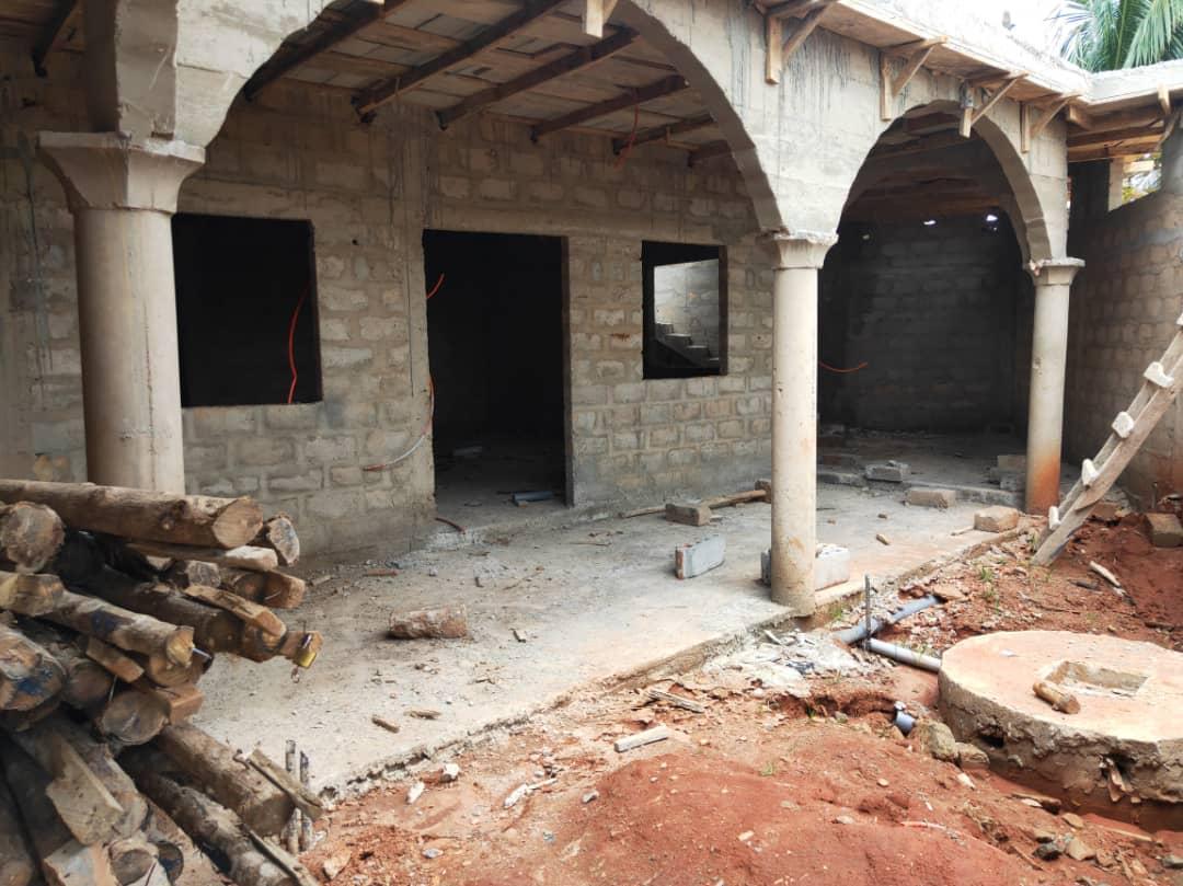 N° 4964 :                         Maison à vendre , Agoe, Lome, Togo : 15 000  000 XOF/vie