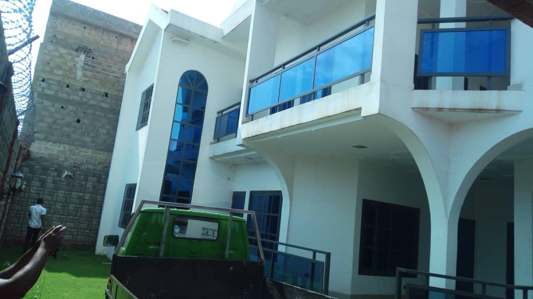N° 4974 :                         Villa à louer , Agoe, Lome, Togo : 700 000 XOF/mois