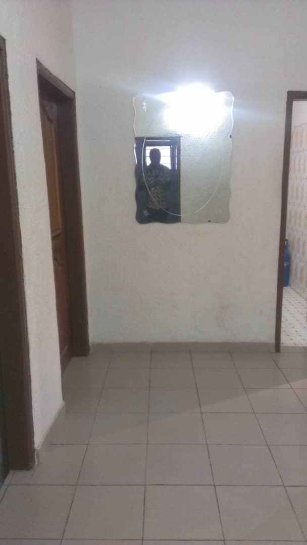 Appartement à louer , agoe                         (Agoè carrefour de l'Union)                     , Lome : 130 000 FCFA/mois