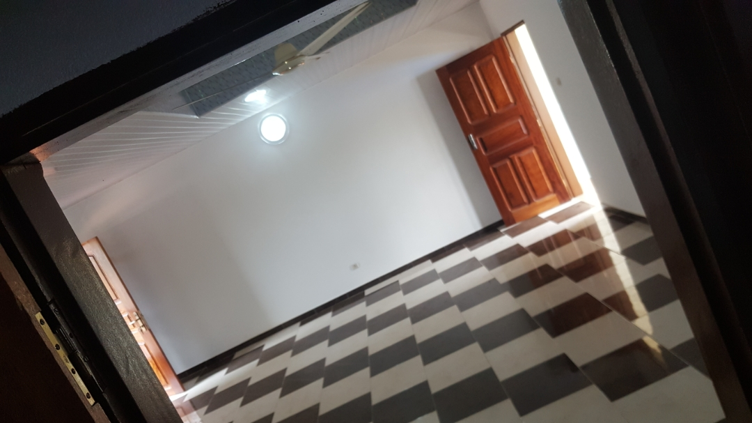 2 chambres salon à louer , Bè                         (Djifa Kpota)                     , Lome : 65 000 FCFA/mois