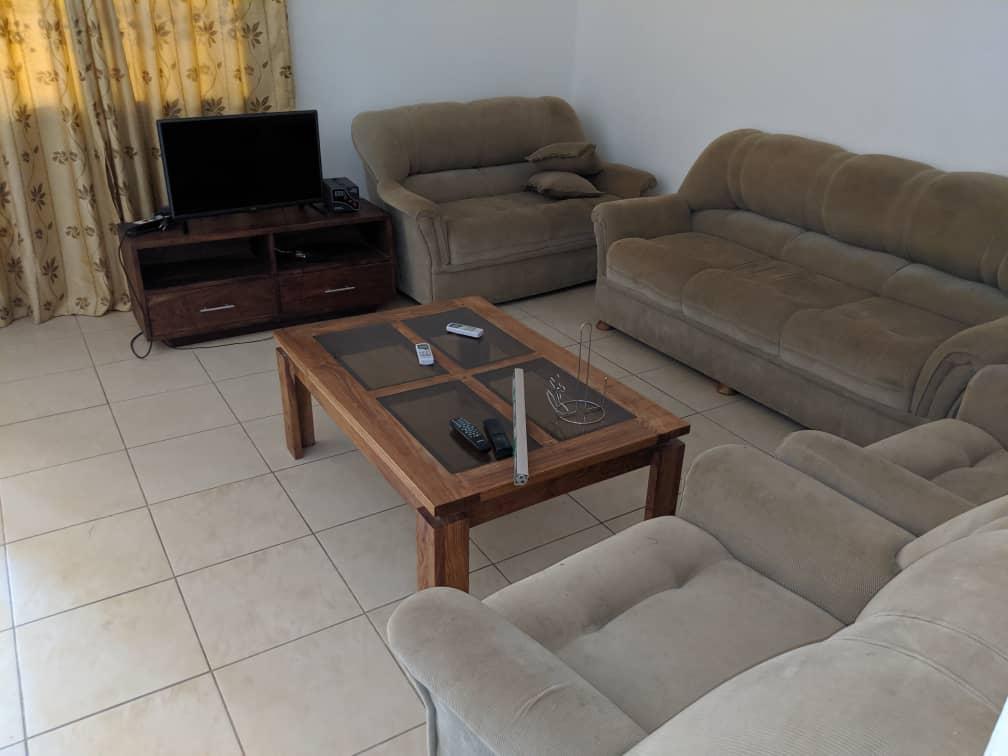 Appartement meublé à louer , adidogome avenou                         (A 50m du Goudron)                     , Lome : 300 000 FCFA/mois