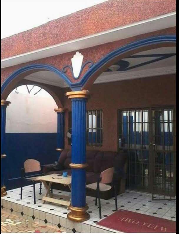 Villa à vendre , amadahomé                          (AMADAHOME non loin de foyers des jeunes)                     , Lome : 35 000  000 FCFA