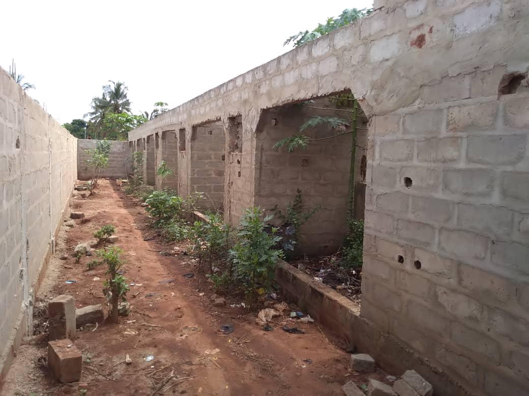 Maison à vendre , agoe                         (A agoè sogbossito non loin du CAMP FIR)                     , Lome : 25 000  000 FCFA