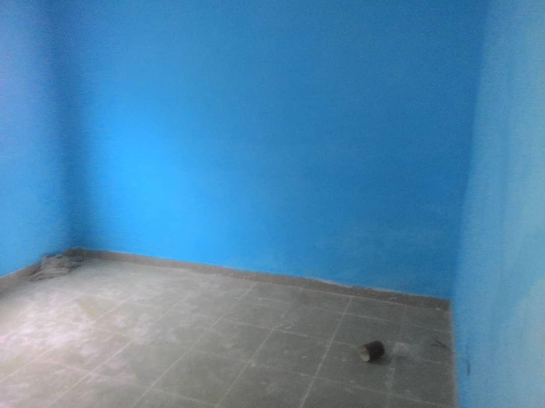 Chambre salon à louer , agoe                         (Telessou à 400 m du goudron)                     , Lome : 40 000 FCFA/mois