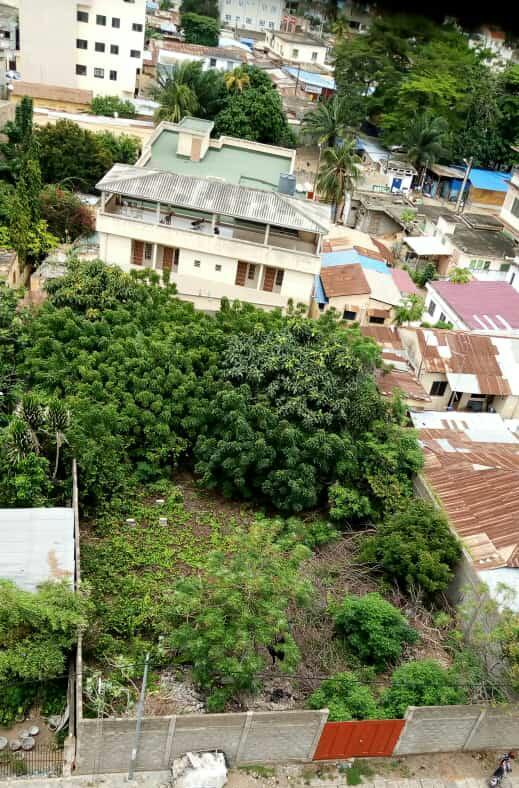 N° 5044 :                         Terrain à vendre , Ahanoukope, Lome, Togo : 800 000  000 XOF/vie