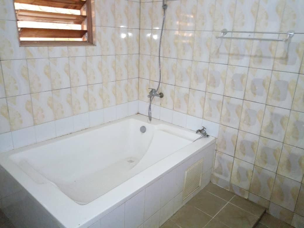 N° 4482 :                             Villa à louer , Kegue, Lome, Togo : 400 000 XOF/mois