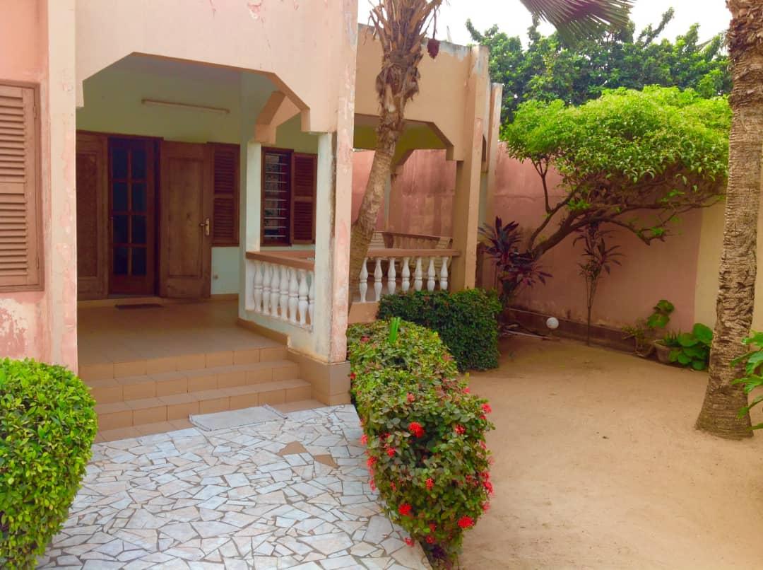 N° 4987 :                         Villa à vendre , Adidogome, Lome, Togo : 85 000  000 XOF/vie