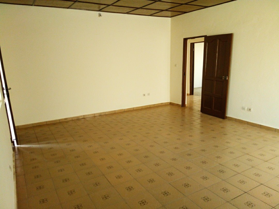 N° 4212 :                             Villa à louer , Agoe, Lome, Togo : 100 000 XOF/mois