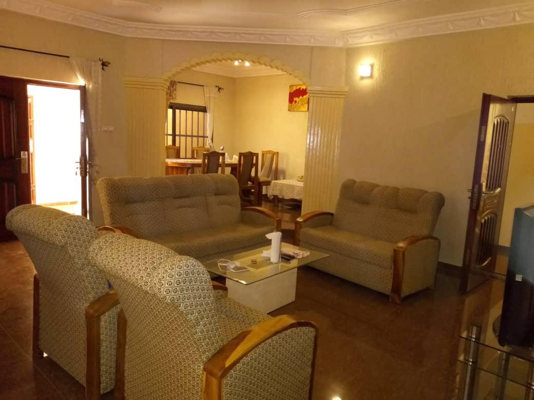 N° 4409 :                             Villa meublée à louer , Hedzranawoe, Lome, Togo : 250 000 XOF/mois