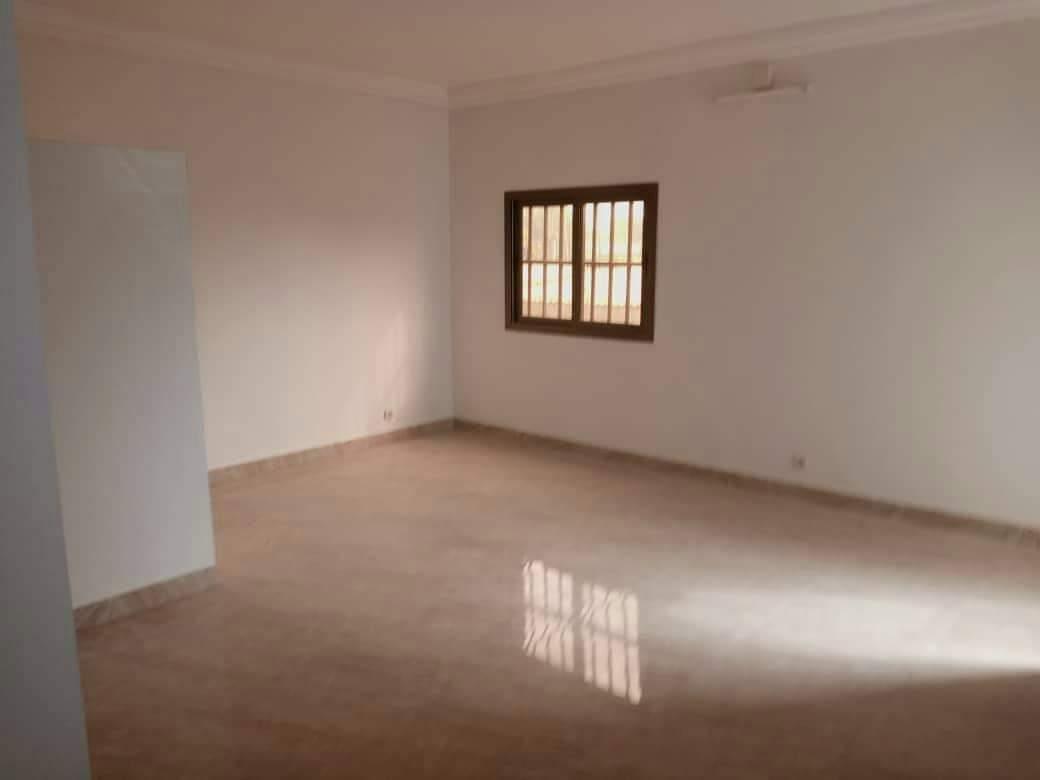 N° 4991 :                         Chambre salon à louer , Agoe , Lome, Togo : 40 000 XOF/mois