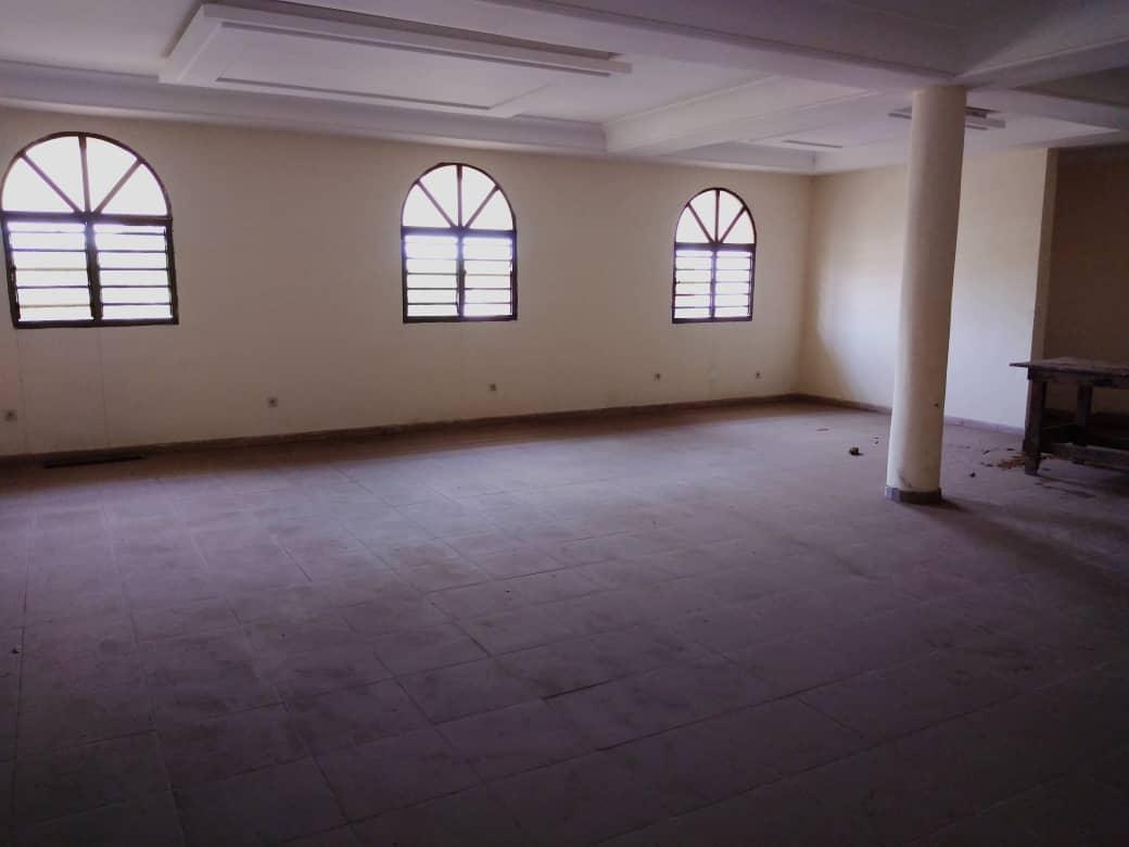 Immeuble commercial à louer , Lome, assivito