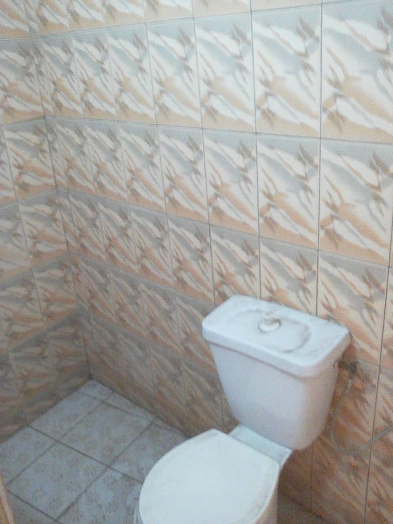 Villa à louer , kegue                         (juste a côté du primaire kelegougan)                     , Lome : 170 000 FCFA/mois