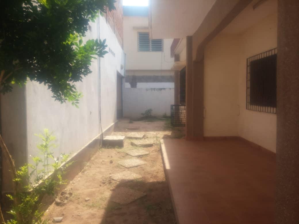 N° 4156 :                             Villa à louer , Adidogome, Lome, Togo : 130 000 XOF/mois