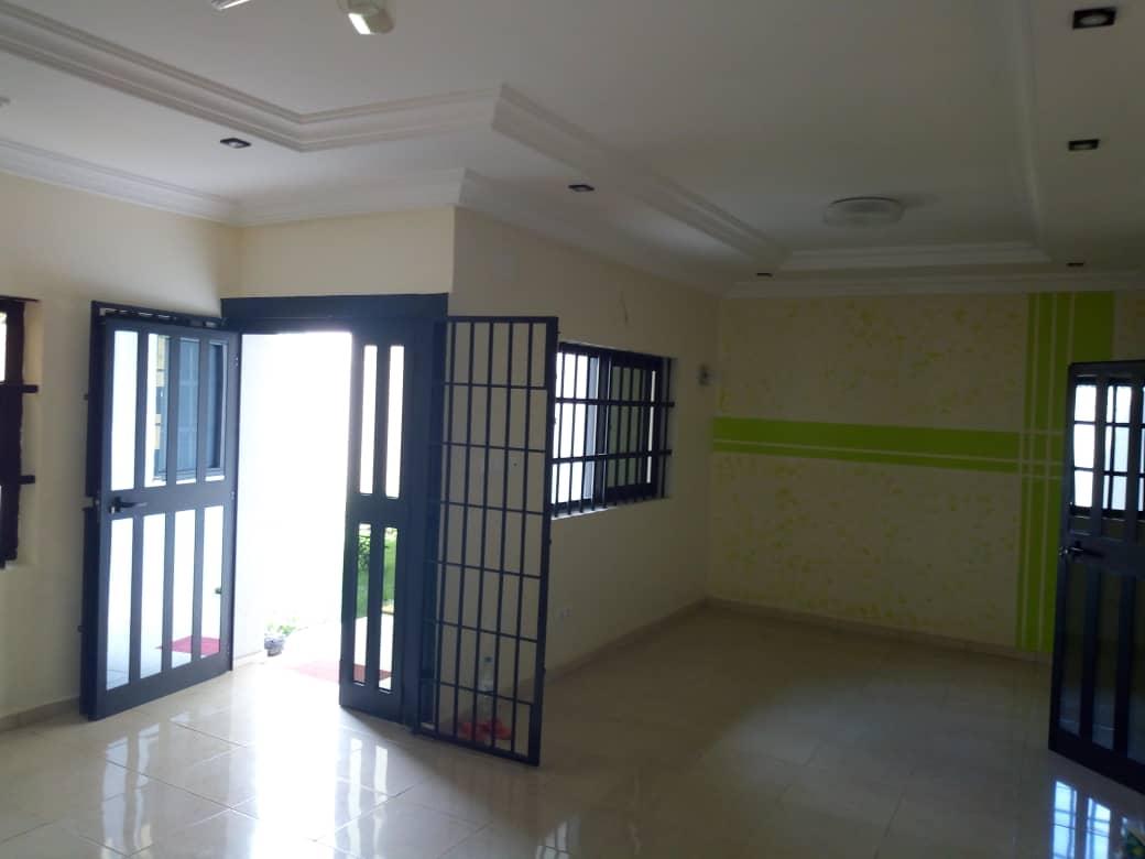 N° 4454 :                             Villa à louer , Kohe, Lome, Togo : 300 000 XOF/mois