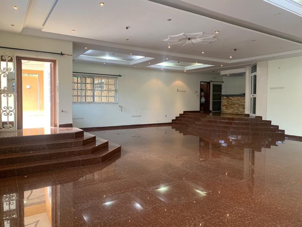 N° 5143 :                         Villa à louer , Hedzranawoe, Lome, Togo : 1 200  000 XOF/mois
