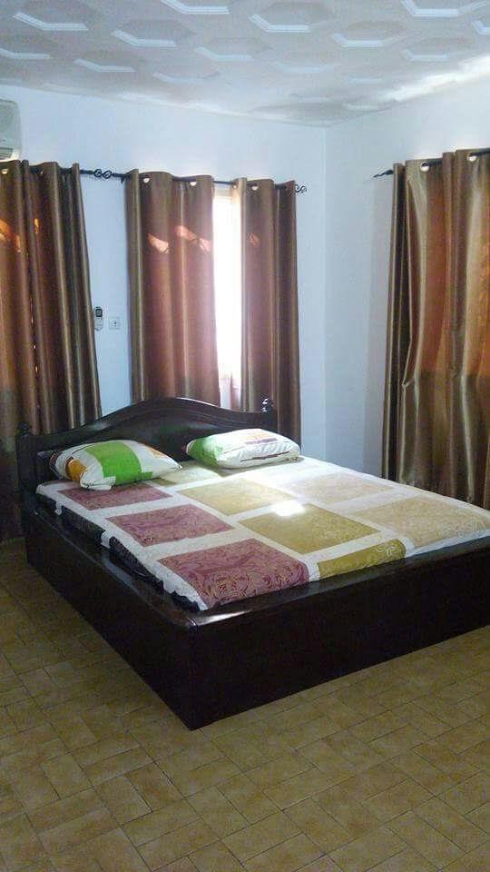 N° 4395 :                             Villa meublée à louer , Cassablanca, Lome, Togo : 500 000 XOF/mois