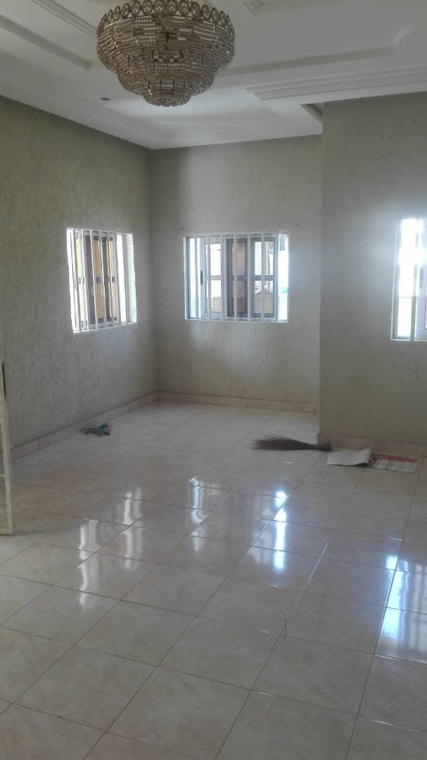 N° 4681 :                         Villa à louer , Avedji, Lome, Togo : 250 000 XOF/mois
