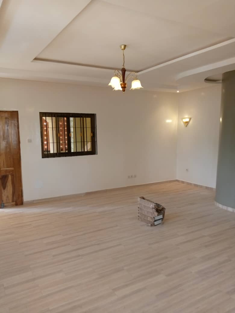 N° 4998 :                         Appartement à louer , Agoe, Lome, Togo : 120 000 XOF/mois