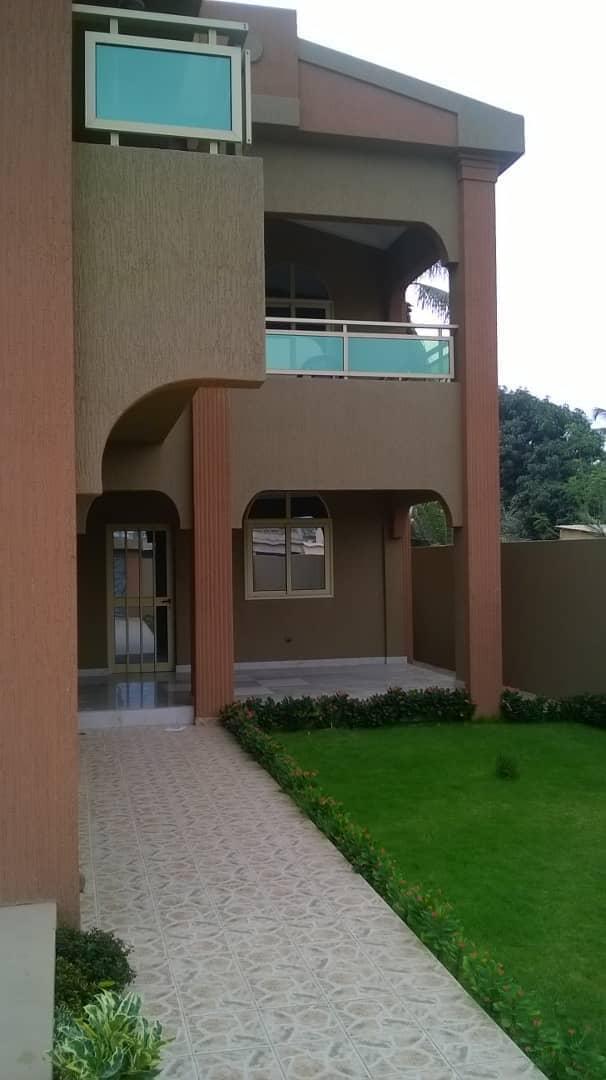 N° 4373 :                             Villa meublée à louer ,  avepozo , Lome, Togo : 600 000 XOF/mois
