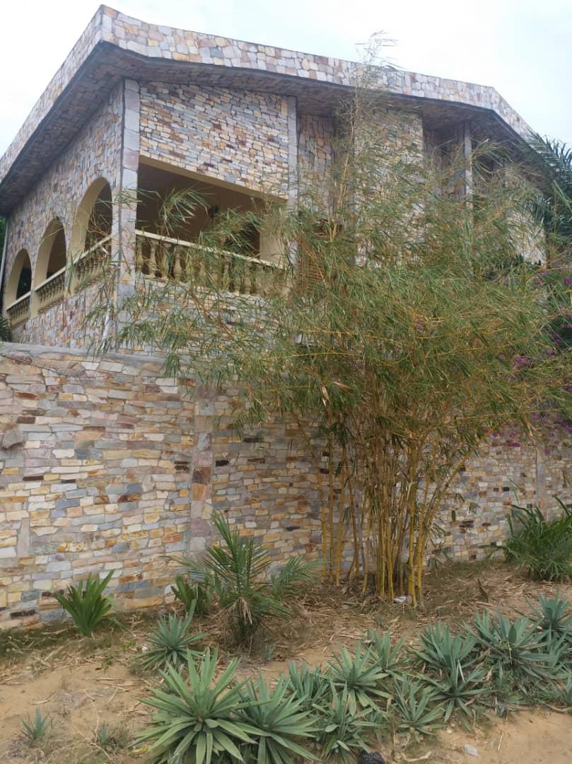 N° 4467 :                             Villa à louer , Kpogan, Lome, Togo : 400 000 XOF/mois