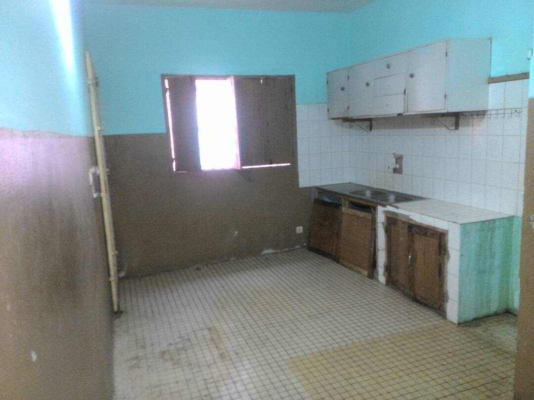 Villa à vendre , adidogome                         (ADIDOGOME FRANCISCAIN)                     , Lome : 85 000  000 FCFA