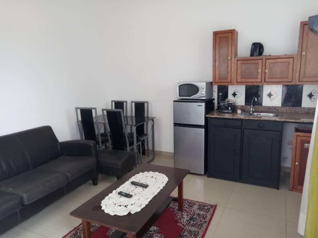 Appartement meublé à louer , attiegou                         (Togo2000 au bord du goudron.)                     , Lome : 250 000 FCFA/mois