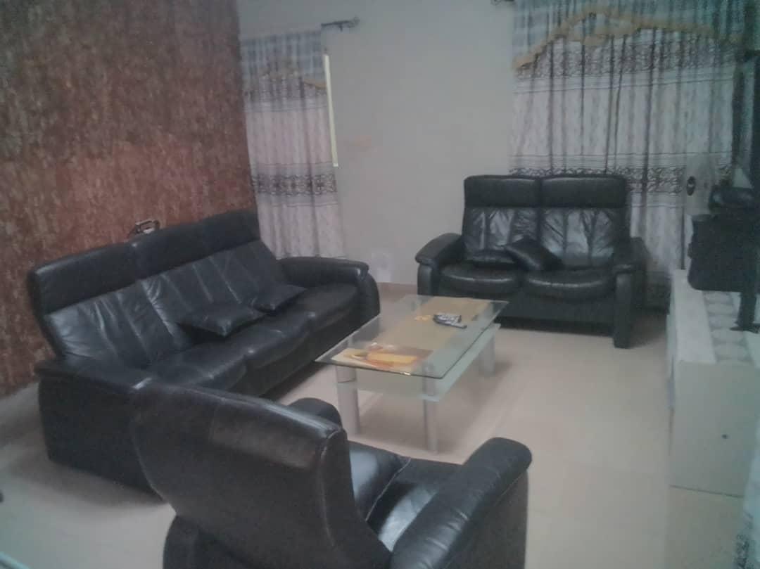 N° 4301 :                             Appartement meublé à louer , Adidogome, Lome, Togo : 250 000 XOF/mois
