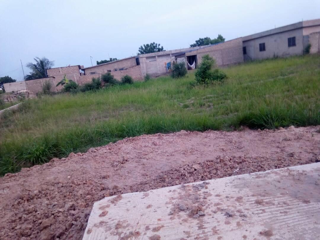 Terrain à vendre , agoe                         (Agoè Dikamé)                     , Lome : 6 000  000 FCFA