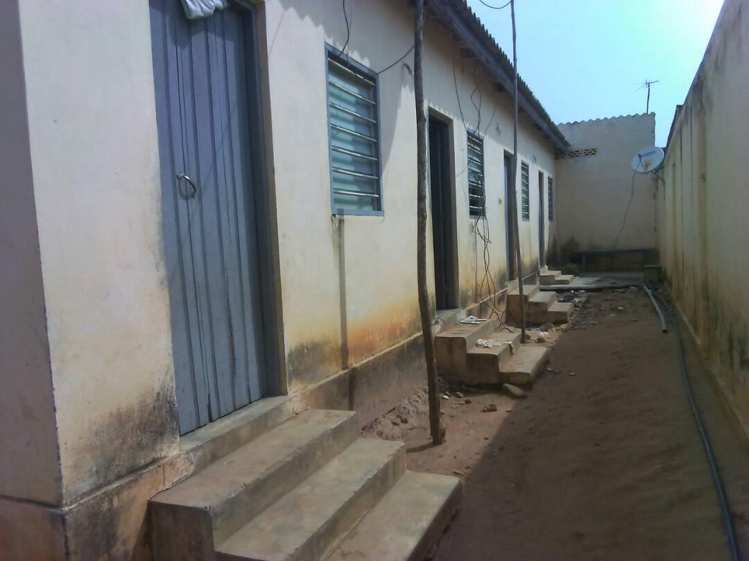 Maison à vendre , apedokoe gbomame                         (Non loin de l'école Bordjo)                     , Lome : 16 000  000 FCFA