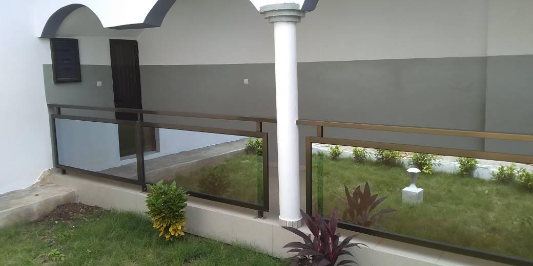 N° 4458 :                         Villa meublée à louer , Adidogome, Lome, Togo : 450 000 XOF/mois