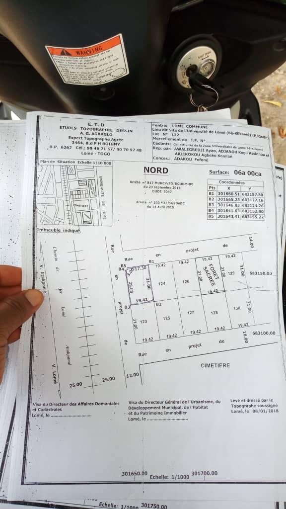 N° 4569 :                             Terrain à vendre , Klikame, Lome, Togo : 30 000  000 XOF/vie