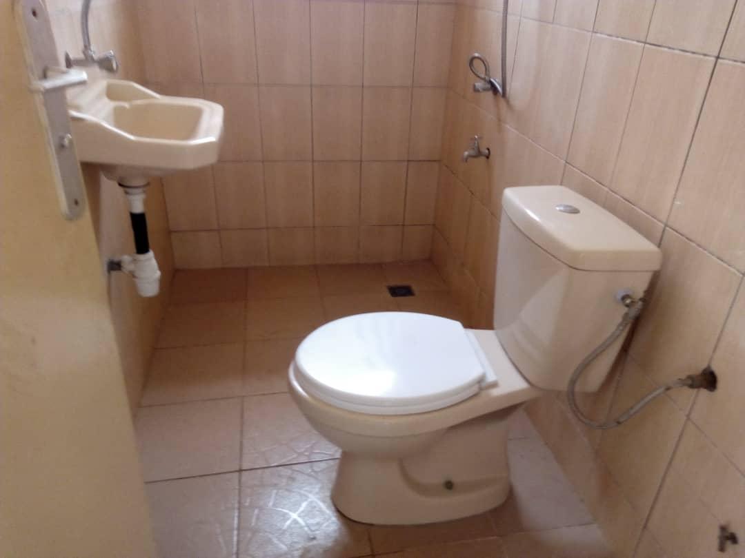 N° 4460 :                         Appartement meublé à louer , Agoe, Lome, Togo : 150 000 XOF/mois