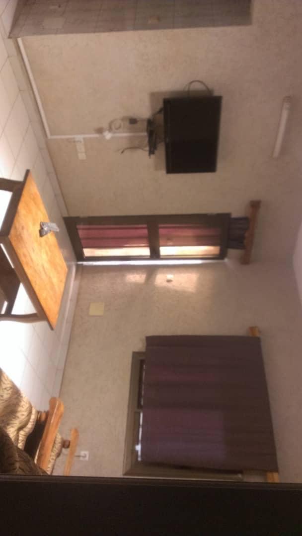 Chambre salon à louer , agoe                         (Agoè carrefour de l'Union)                     , Lome : 45 000 FCFA/mois