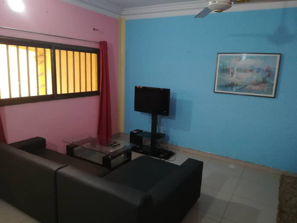 Appartement à louer , agoe                         (Assiyéyé a 500m du goudron)                     , Lome : 130 000 FCFA/mois