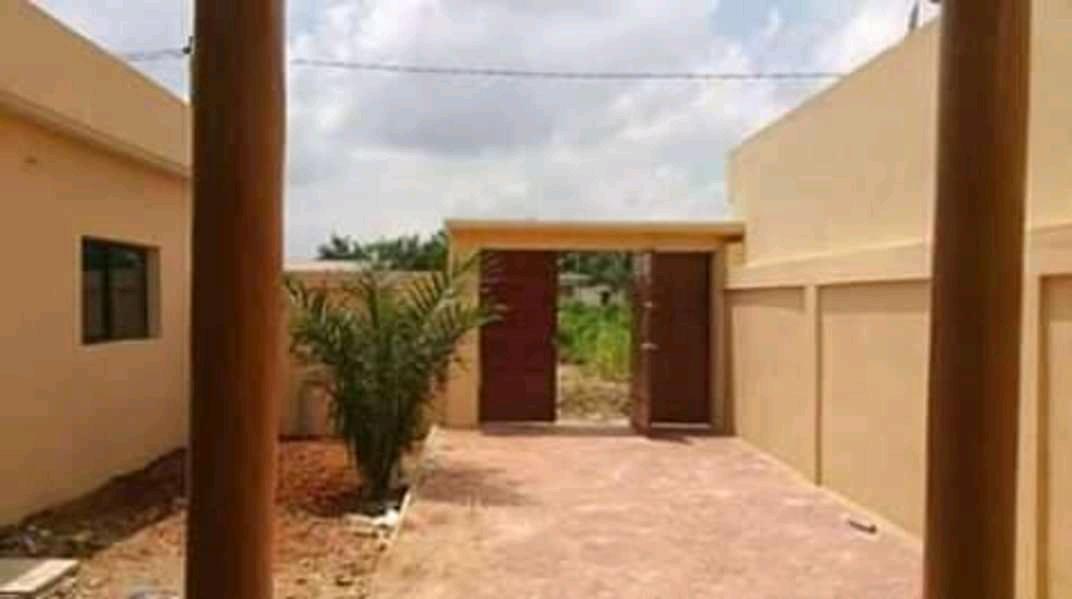N° 4559 :                             Villa à vendre , Segbe, Lome, Togo : 38 000  000 XOF/vie