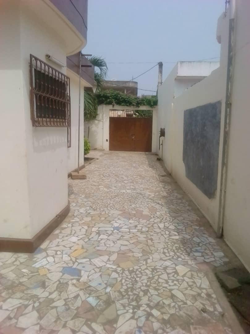 N° 4532 :                             Villa à louer , Novissi, Lome, Togo : 150 000 XOF/mois
