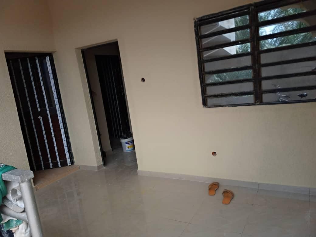 N° 4779 :                             Chambre salon à louer ,  agoe sogbossito, Lome, Togo : 50 000 XOF/mois