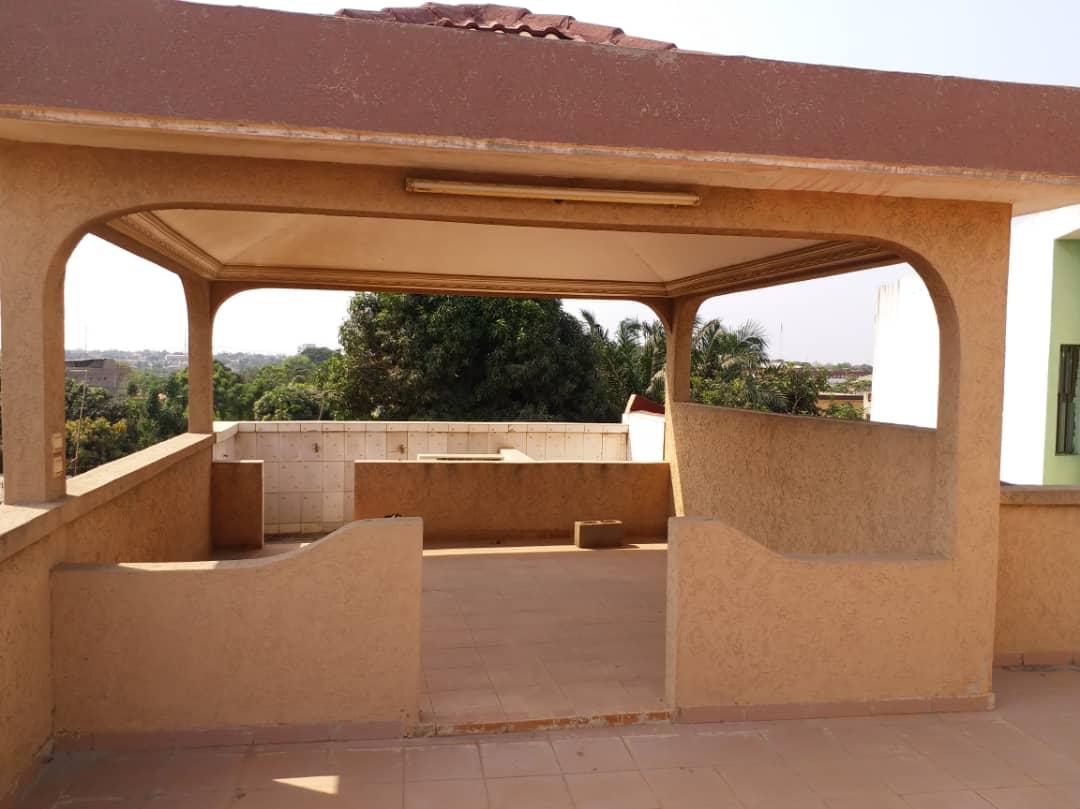 N° 4434 :                             Villa à louer , Togo 2000, Lome, Togo : 450 000 XOF/mois