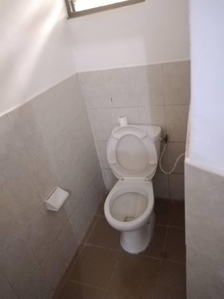 Villa meublée à louer , hedzranawoe                         (Non loin de l'aéroport de Lomé)                     , Lome : 250 000 FCFA/mois