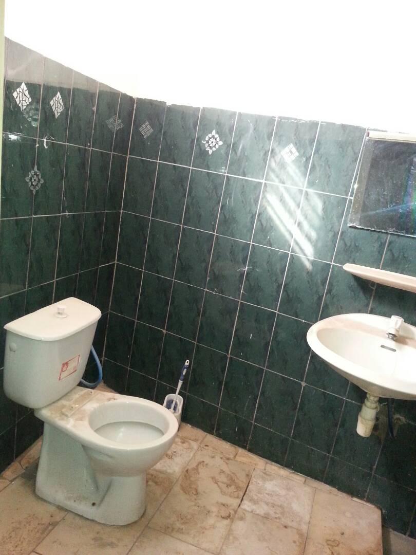 Villa à louer , adidogome                         (Adidogomé lapampar)                     , Lome : 100 000 FCFA/mois