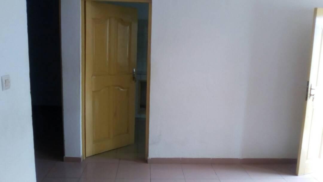 N° 4107 :                             2 chambres salon à louer , Adidogome, Lome, Togo : 50 000 XOF/mois