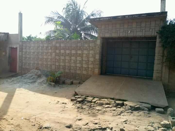 Villa à vendre , adidogome                         (Adidogomé wognomé)                     , Lome : 40 000  000 FCFA