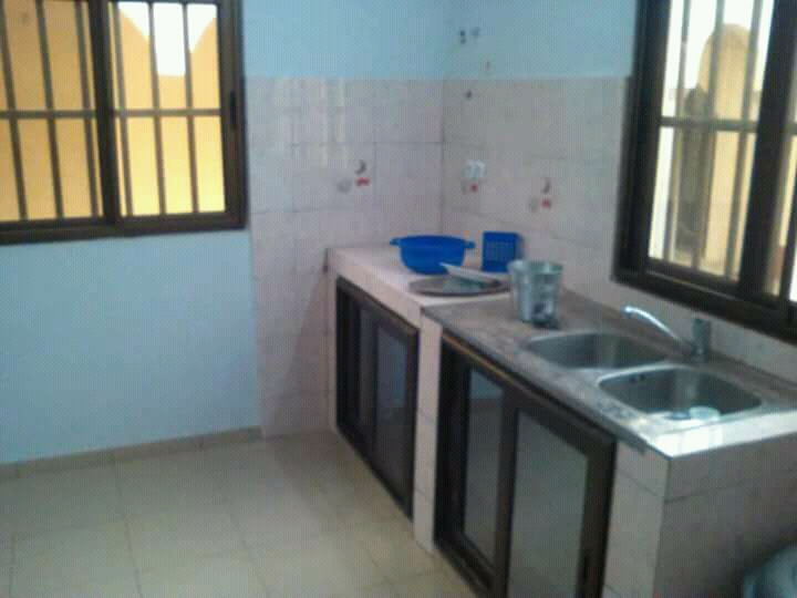 N° 4111 :                             Villa à louer , Agoe, Lome, Togo : 150 000 XOF/mois