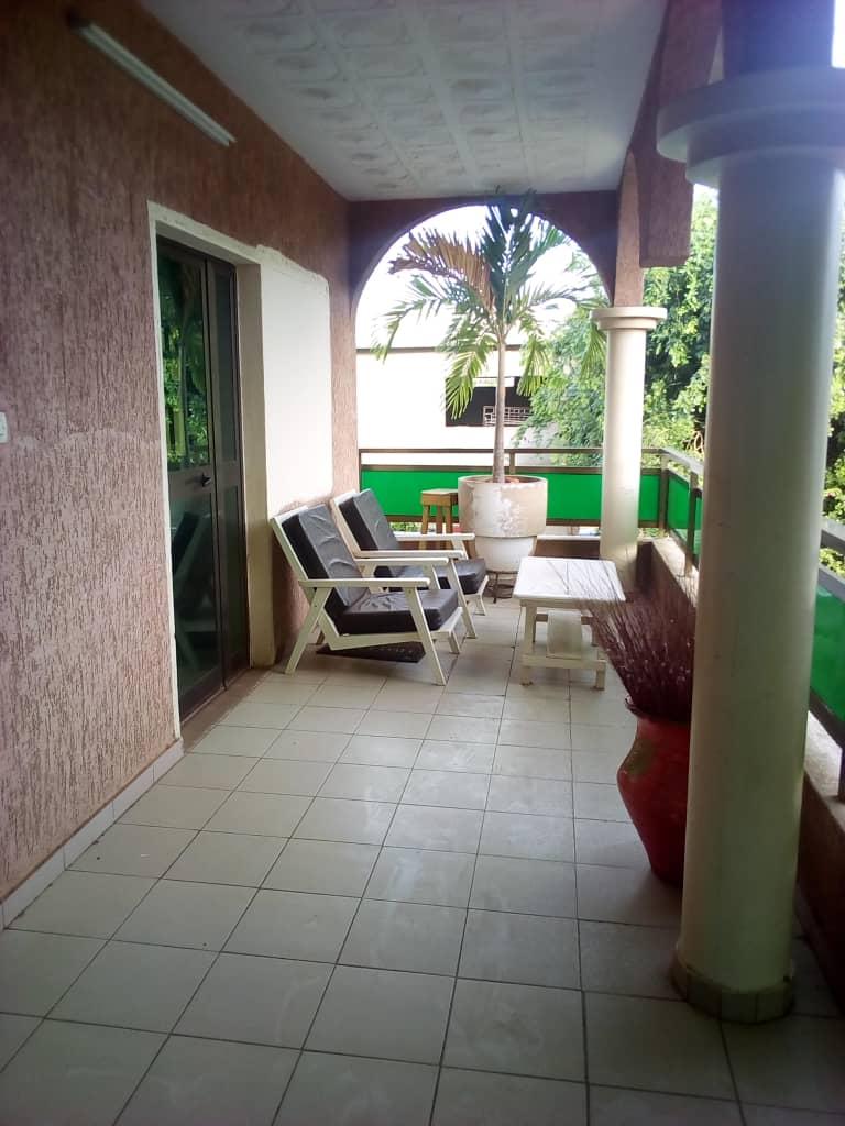 N° 4667 :                             Studio meublé à louer , Hedzranawoe , Lome, Togo : 150 000 XOF/mois