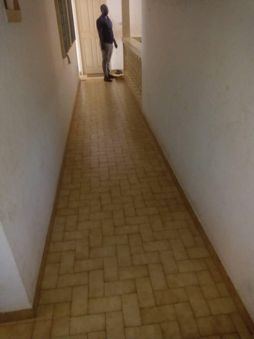 Villa à louer , soviepe                         (Non loin des Rails Camp d'Adidogomé)                     , Lome : 200 000 FCFA/mois