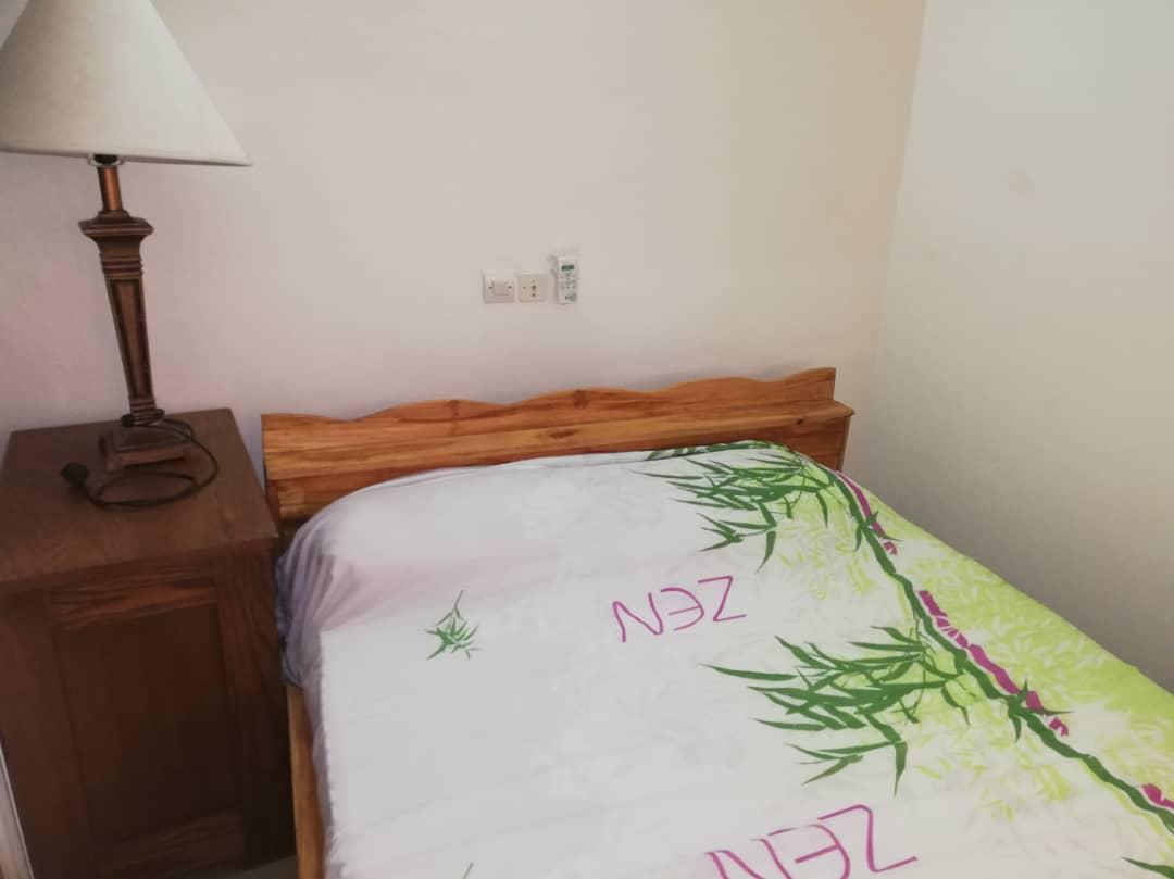 Villa meublée à louer , adidogome wognome                         (A 100m de l'église catholique)                     , Lome : 300 000 FCFA/mois
